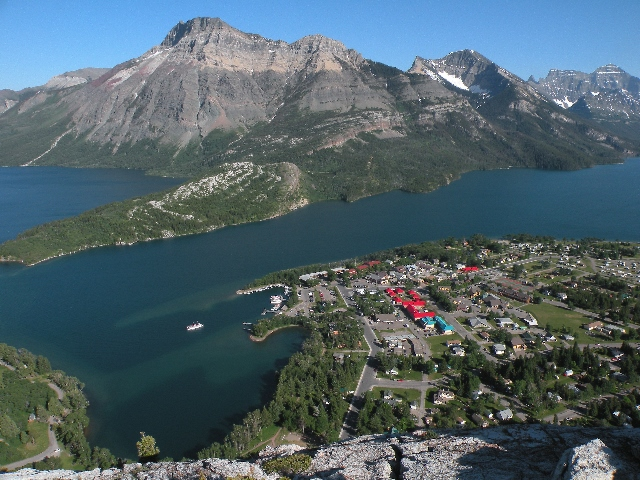 Bear's Hump, Waterton town (640x480)