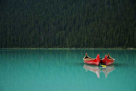 Lake_Louise_Canoes