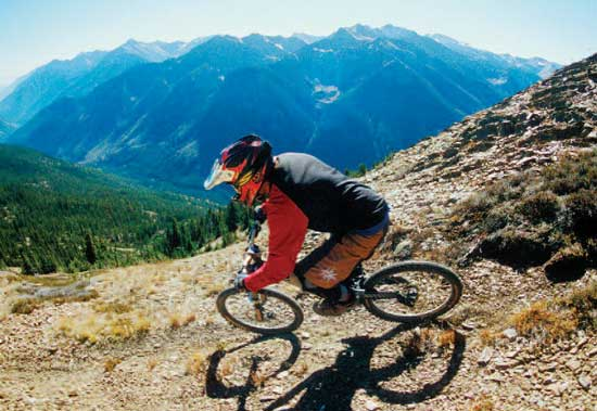 Mountain_Biking_Golden03