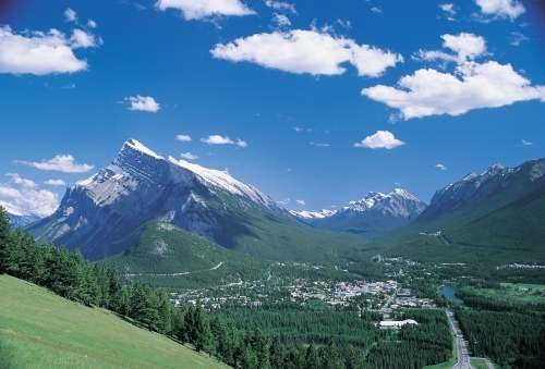 summer_banff_town_rundle_Alberta_Tourism_Parks_Recreation_B11_1h.1