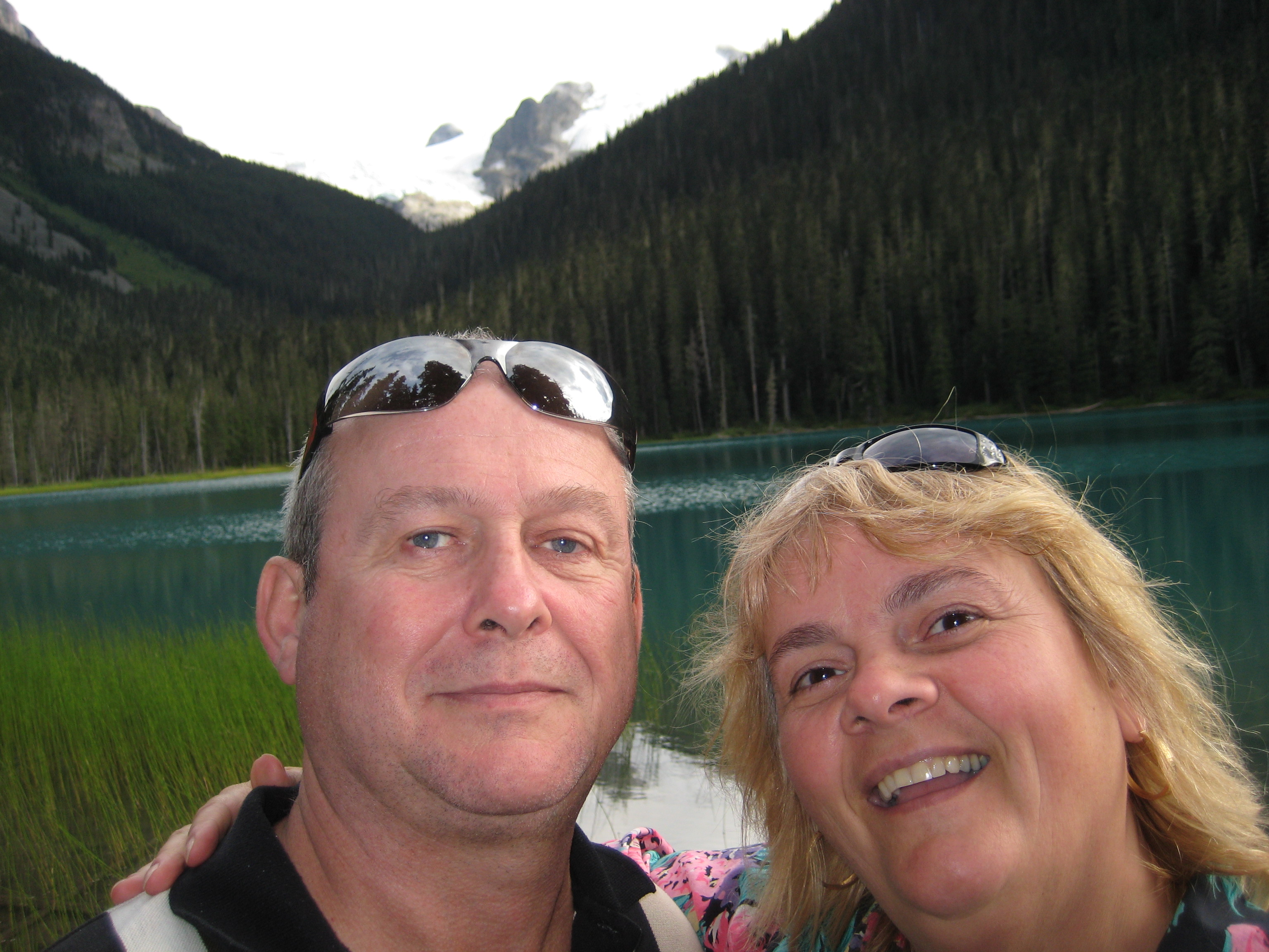 hiking in joffre lake park