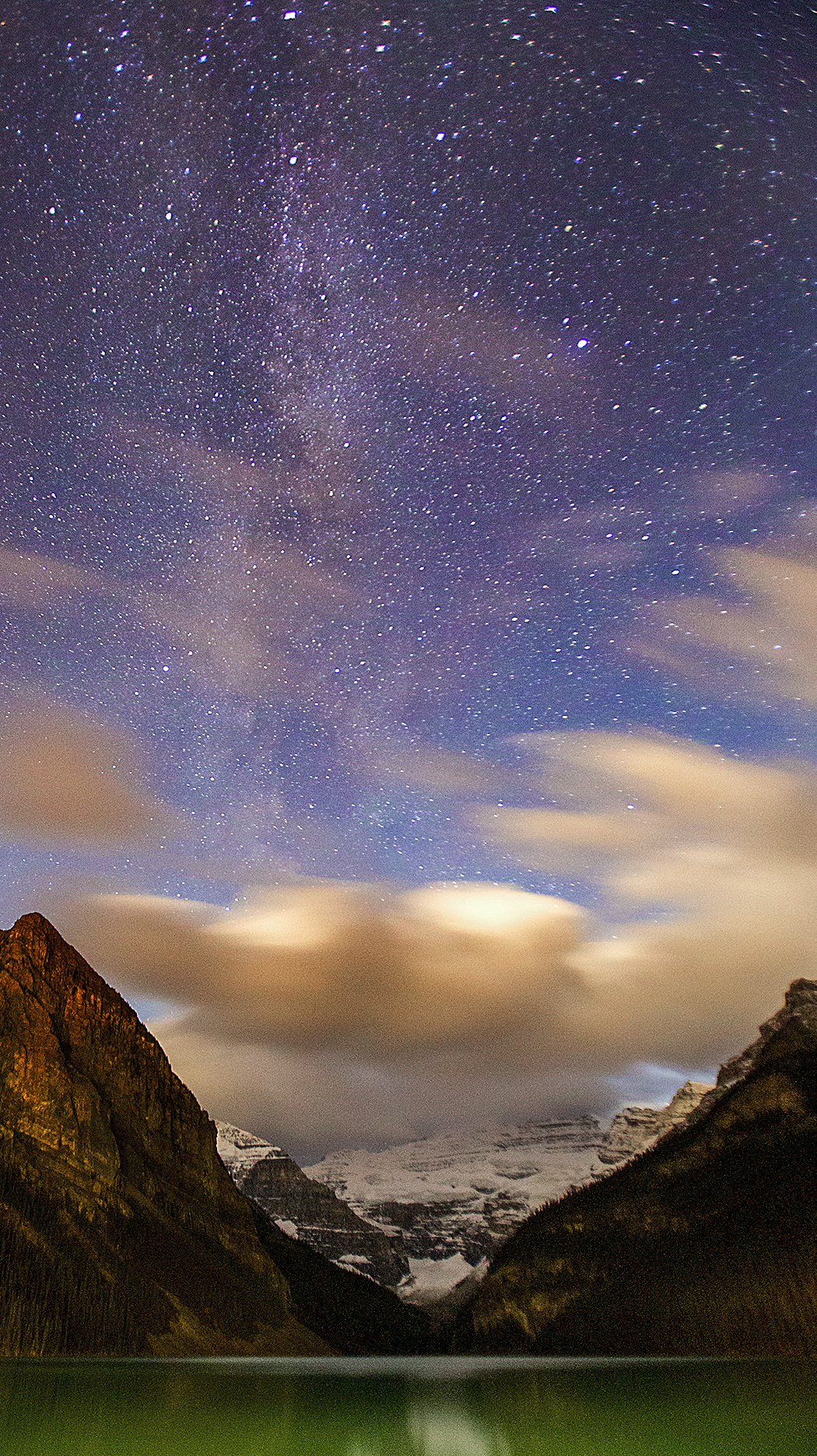lake louise and milky way